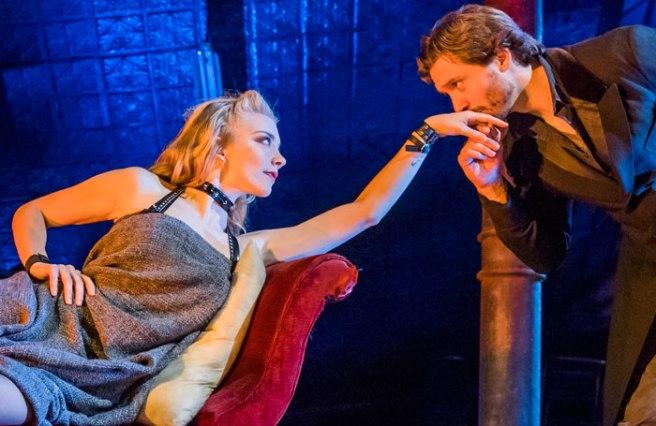 Venus-In-Fur-Theatre-Royal-Haymarket-424